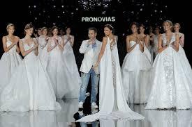 2017 Pronovias Fashion show