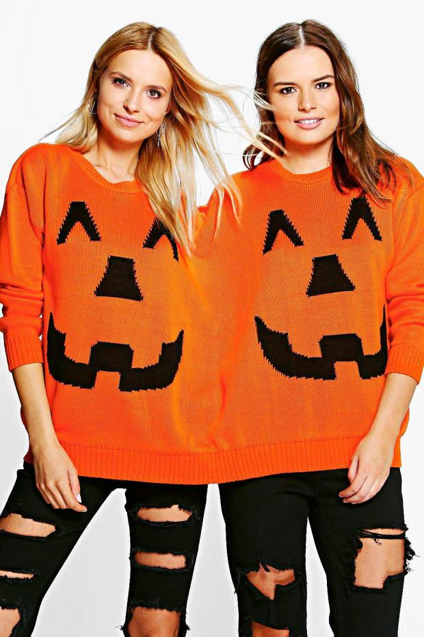 Halloween is right around the corner (26 days to precise – not that we're counting) which means its time to start thinking about costumes.